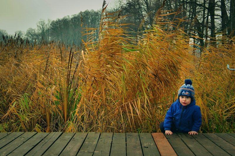 dziecko, jezioro beldany, mazury, wiejskie dziecko,