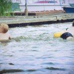 Boję się o moje dzieci, dlatego nie pozwalam im pływać w rękawkach