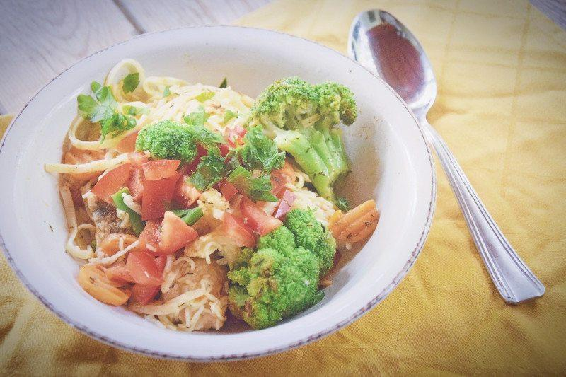 Makaron z warzywami i indykiem – najprostsze i najszybsze danie na świecie!