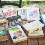 11 książek, które pomogły mi w macierzyństwie i sprawiły, że wszystko stało sięprostsze