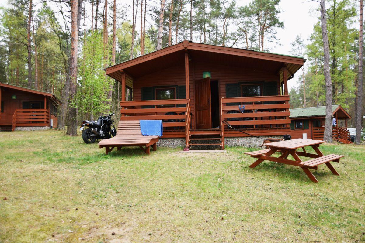 Mieszkaliśmy w domku Ania. Jak wyglądają domki, możecie zobaczyć tutaj.